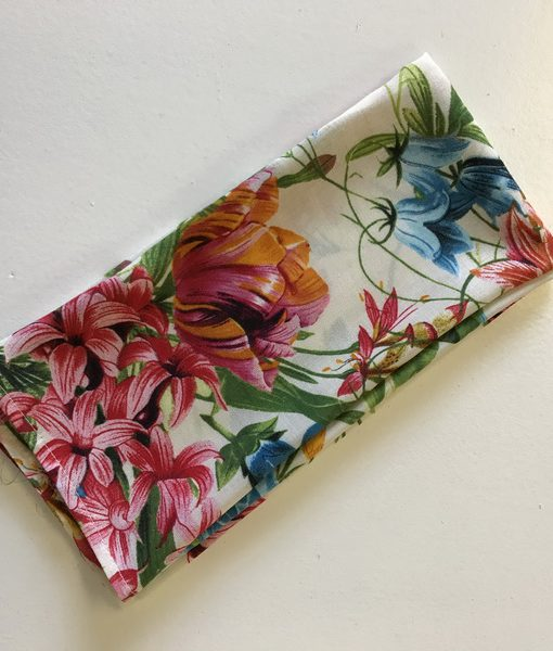 Botanical bright floral serviette_resize
